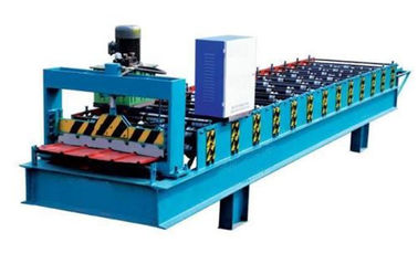 China Electronic Control Metal Roof Roll Forming Machine With Hydraulic Metal Cutter supplier